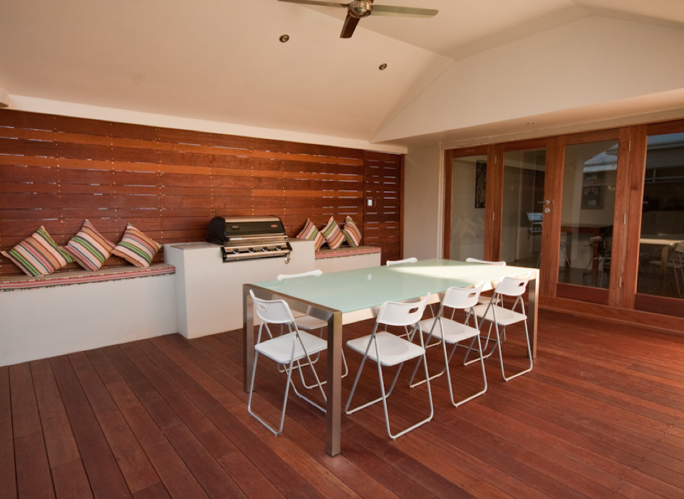 timber-decking-from-perth-outdoor-building-spcialist-platinum-outdoors-3